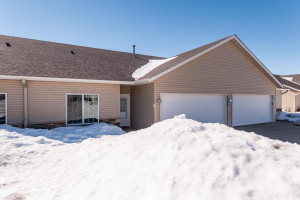 5112 Weatherstone Drive NW, Rochester, MN 55901