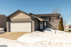 5259 Castleview Drive NW, Rochester, MN 55901