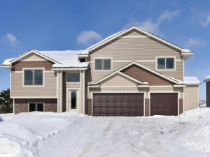 905 Highview Loop SE, Pine City, MN 55063