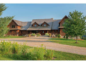 32406 Stinson Ridge Road, Houston, MN 55943