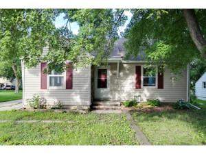 1042 S Oak Avenue, Owatonna, MN 55060
