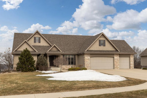 1604 Redwood Lane SW, Rochester, MN 55902