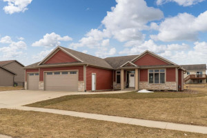 1213 6th Street NW, Dodge Center, MN 55927