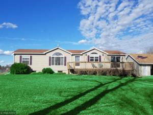 18318 Bethany Drive, Altura, MN 55910