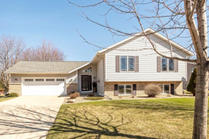 1101 4th Place NW, Kasson, MN 55944