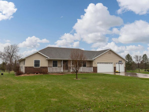73905 168th Avenue, Hayfield, MN 55940