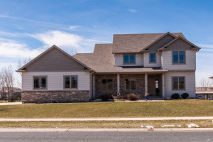 6373 Shetland Drive NW, Rochester, MN 55901