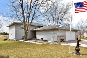 215 Nicholas Drive, Lewiston, MN 55952