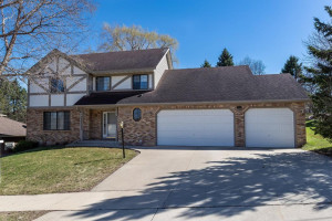 2010 Folwell Drive SW, Rochester, MN 55902