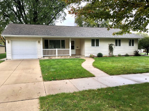308 Hoyt Avenue S, Springfield, MN 56087