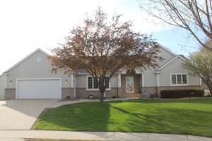1046 Essex Parkway NW, Rochester, MN 55901