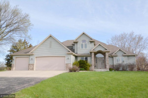 695 Valley View Road SW, Oronoco, MN 55960