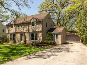 1005 10th St NW Austin MN-001-35-Front View-MLS_Size.jpg