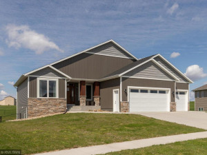 515 21st Place NE, Kasson, MN 55944