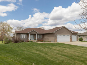 73913 168th Avenue Hayfield MN-001-5-Front View-MLS_Size.jpg