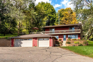56789 402nd Avenue, Mazeppa, MN 55956
