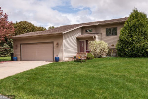 2314 Meadow Hills Drive SW, Rochester, MN 55902