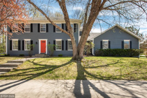 2210 Folwell Drive SW, Rochester, MN 55902