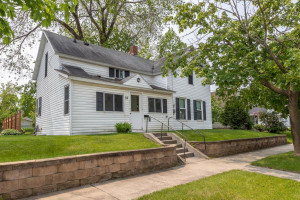 32 11th Street NW, Rochester, MN 55901