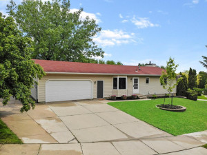 2418 Meadow Hills Drive SW, Rochester, MN 55902