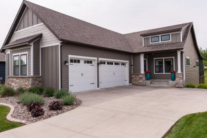 3834 Eastwood Road SE, Rochester, MN 55904