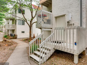 3046 A Lake Shore Drive-001-8-Exterior Front-MLS_Size