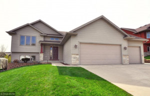 4480 Manor Park Drive NW, Rochester, MN 55901