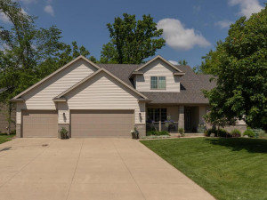 1051 Bush Ct SW Eyota MN 55934-002-041-Front View-MLS_Size