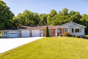 517 Hawkeye Street SW, Chatfield, MN 55923