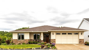 1819 Hadley Creek Drive NE, Rochester, MN 55906