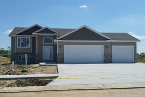 904 9th Avenue NE, Kasson, MN 55944