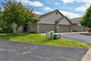 8370 Parkview Avenue NE, Elk River, MN 55330