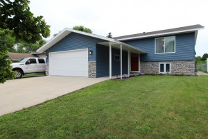 948 41st Street NW, Rochester, MN 55901