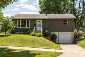 1806 17th Street NW, Rochester, MN 55901