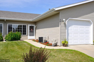 5624 White Oaks Lane NW, Rochester, MN 55901