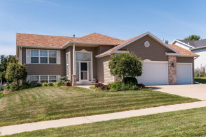 4926 4th Street NW, Rochester, MN 55901