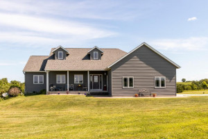 30286 Hot Iron Drive, Chatfield, MN 55923