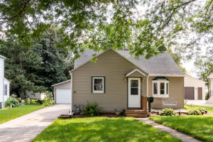 818 10th Street NW, Rochester, MN 55901