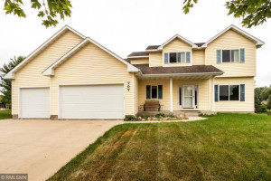 707 Willow Green Court NE, Stewartville, MN 55976