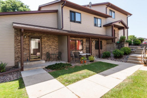 4 Conner Circle SW, Rochester, MN 55902