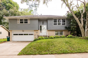 526 Zumbro Drive NW, Rochester, MN 55901