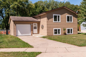 947 W Village Circle SE, Rochester, MN 55904