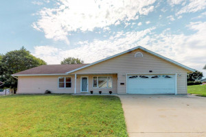 902 Marie Lane, Zumbrota, MN 55992