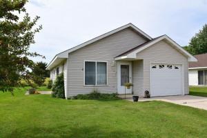 322 2nd Avenue SE, Blooming Prairie, MN 55917