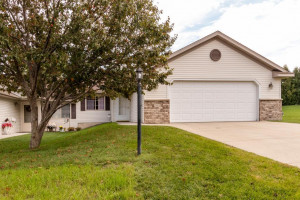 312 Bear Paw Circle NE, Byron, MN 55920