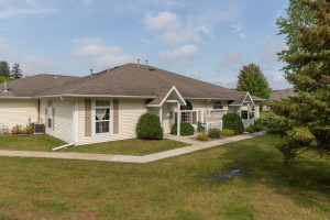 1976 Waterford Place SW, Rochester, MN 55902
