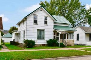 413 E Wabasha Street, Winona, MN 55987