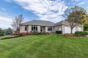 800 New Haven Road NW, Pine Island, MN 55963