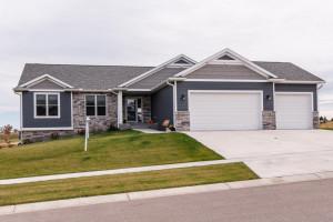 810 Grand Ridge Drive NE, Byron, MN 55920