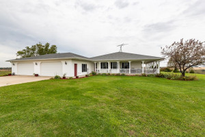 31509 County Road 33, Lake City, MN 55041